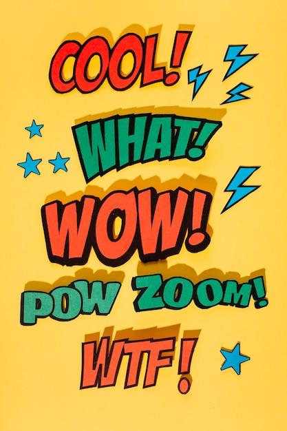 Espressione di effetto sonoro del libro di fumetti su fondo giallo con ombra Foto Gratuite