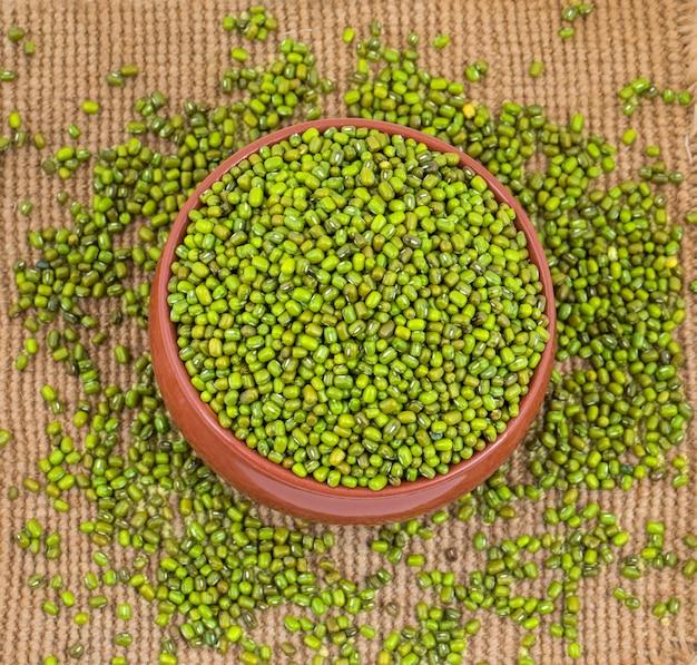 Fagioli verdi verdi Foto Premium