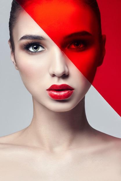Fashion art photo trucco naturale della pelle pura perfetta Foto Premium