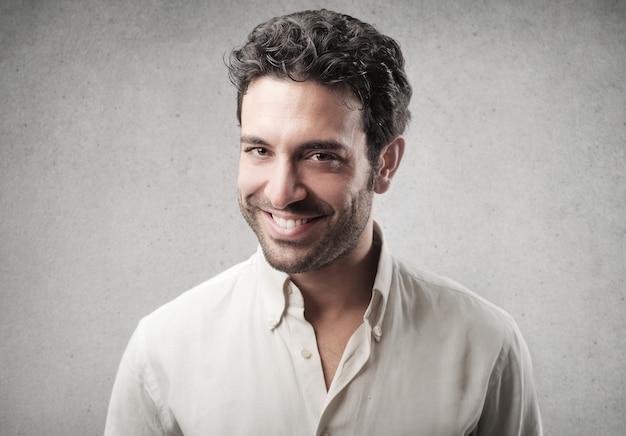 Felice uomo fiducioso Foto Premium