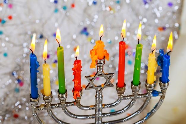 Festa ebraica simboli hannukah - menorah Foto Premium
