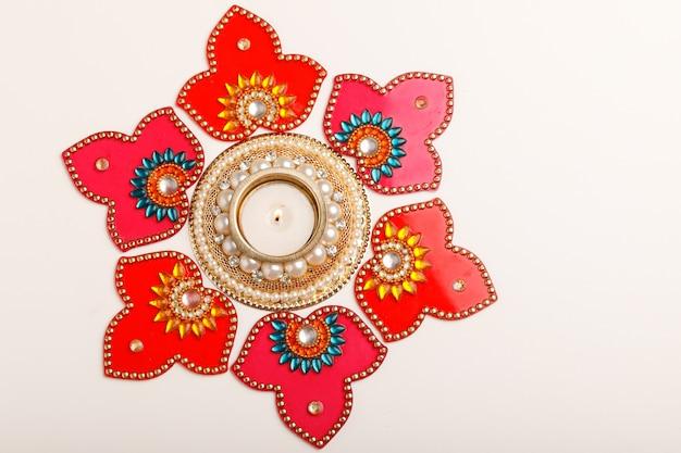 Festival indiano diwali, lampada a olio diwali Foto Premium