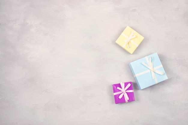 Festivo, compleanno, regalo sfondo pastello minimo Foto Premium