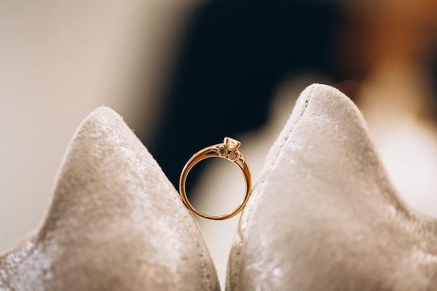 Fine di usura del piede di nozze su Foto Gratuite