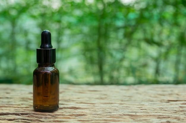 Foglia di cannabis estratta dall'olio di canapa. Foto Gratuite
