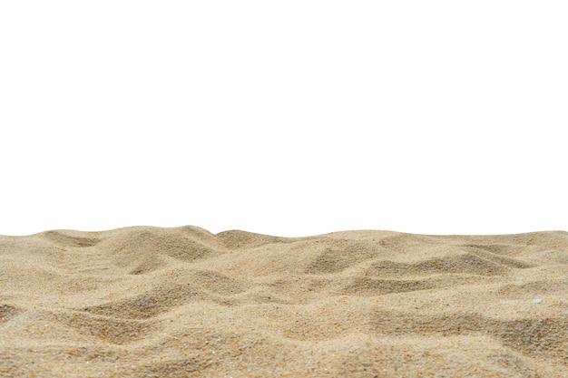 Fondo bianco tagliato tagliato di struttura della sabbia della spiaggia. Foto Premium