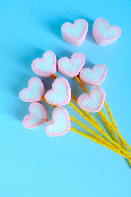 Fondo del pallone della caramella gommosa e molle del cuore, fondo sveglio della caramella gommosa e molle Foto Premium