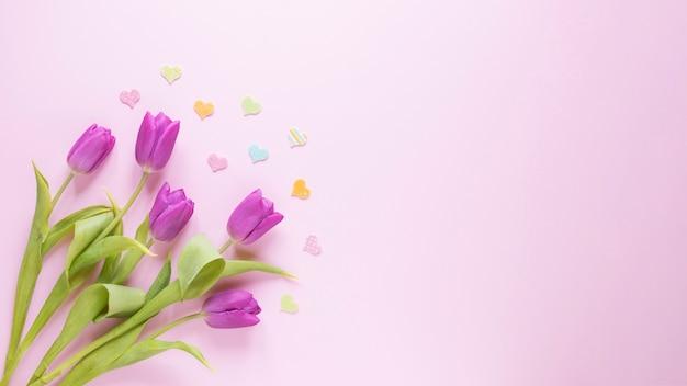 Fondo di giorno di madri con le rose a sinistra Foto Gratuite