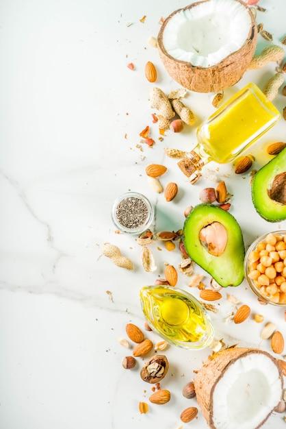 Fonti di alimenti grassi vegani sani Foto Premium