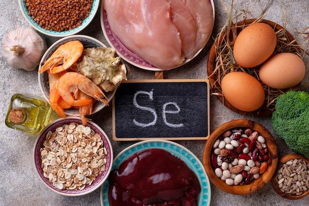Fonti di prodotti sani di selenio. Foto Premium