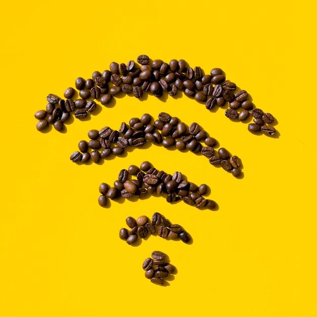 Forma di granuli di caffè vista dall'alto Foto Gratuite