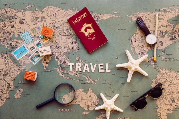 Forniture turistiche e souvenir sulla scrittura di viaggi Foto Gratuite