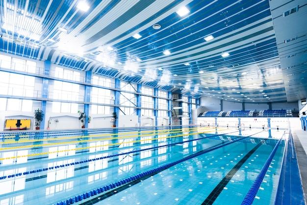 Foto della moderna piscina coperta Foto Gratuite