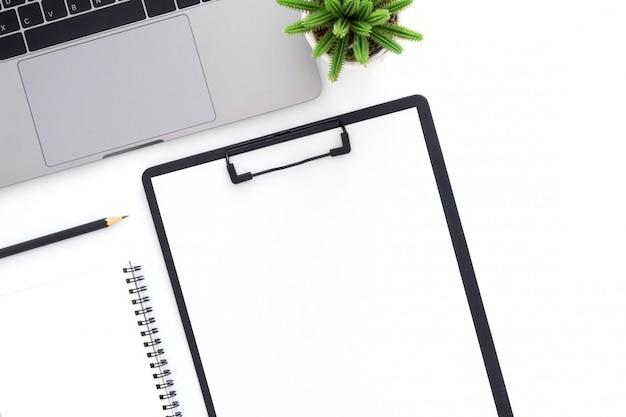 Foto piatta e creativa della scrivania dell'area di lavoro Foto Gratuite