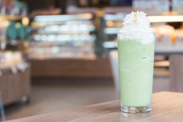 Frullato di tè verde Foto Gratuite