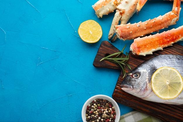 Frutti di mare deliziosi del primo piano sulla tavola Foto Gratuite