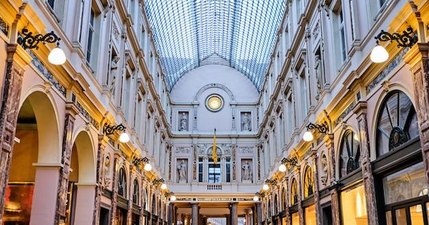 Galeries royales saint-hubert a bruxelles, in belgio Foto Premium