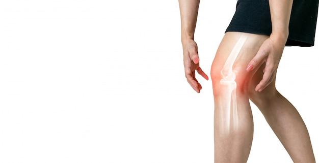 Gamba umana artrosi infiammazione delle articolazioni ossee su sfondo bianco Foto Premium