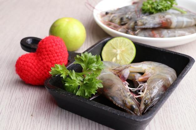Gamberetti freschi per cucinare Foto Premium