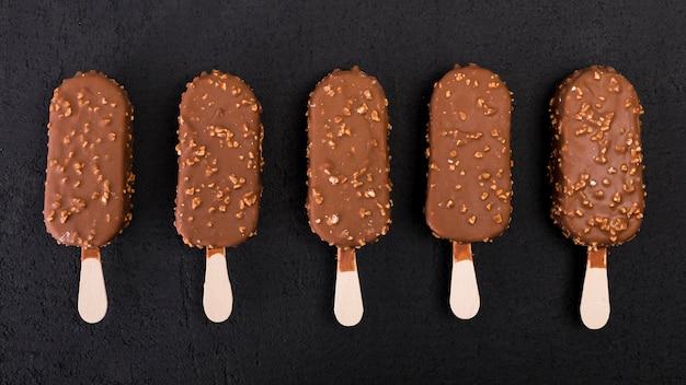 Gelati al cioccolato vista dall'alto Foto Gratuite
