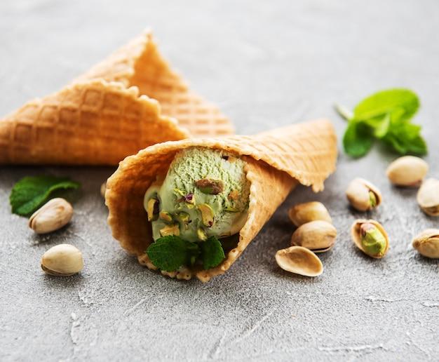Gelato al pistacchio e menta Foto Premium