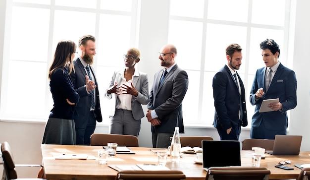 Gente di affari che incontra concetto di lavoro di discussione Foto Premium