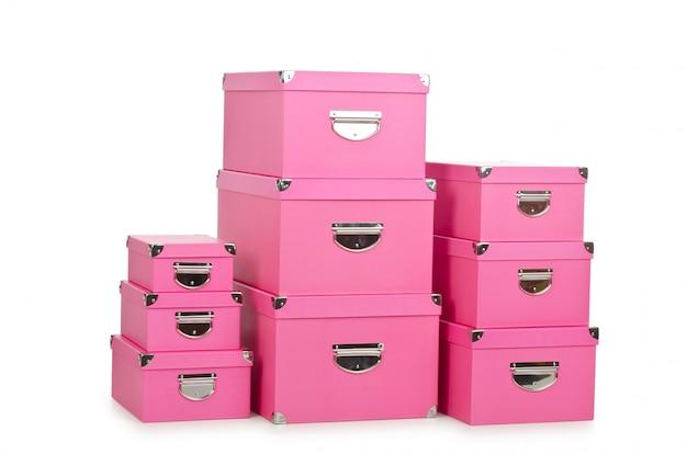 Giftboxes rosa isolati su bianco Foto Premium