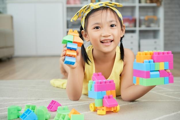 Giocare con i blocchi Foto Gratuite