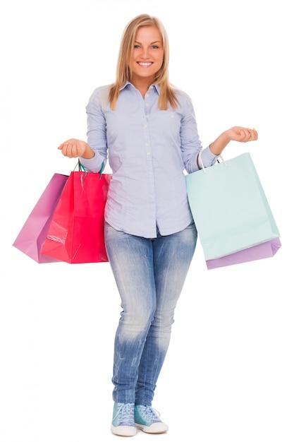Giovane donna con borse della spesa Foto Gratuite