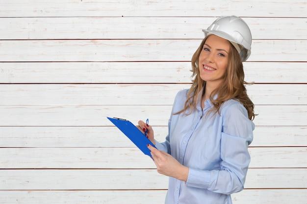 Giovane specialista di costruzioni femminili Foto Premium