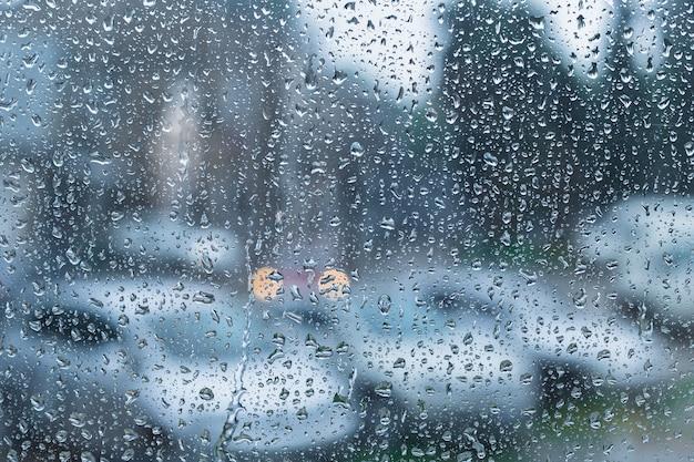 Gocce d'acqua su vetro Foto Premium