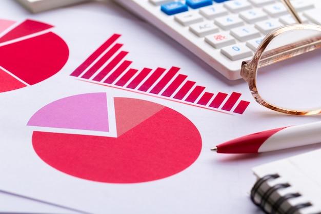 Grafico aziendale che mostra il successo finanziario Foto Premium