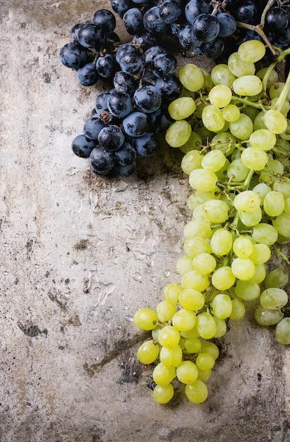 Grappoli d'uva rossa e bianca Foto Premium