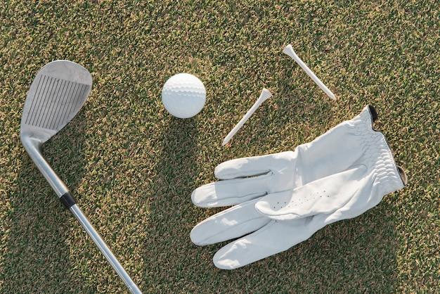 Guanto e mazza da golf vista dall'alto Foto Gratuite