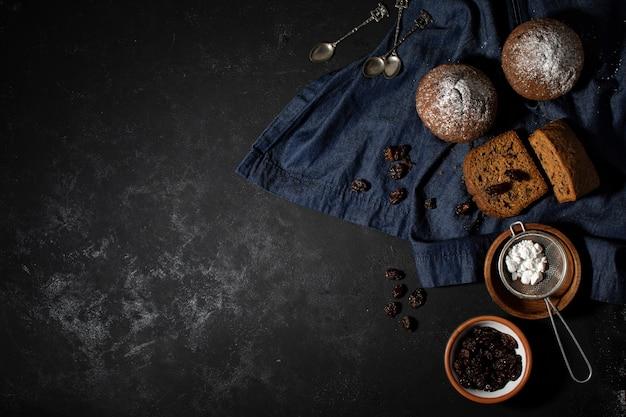 Gustosa composizione di dolci da forno Foto Gratuite