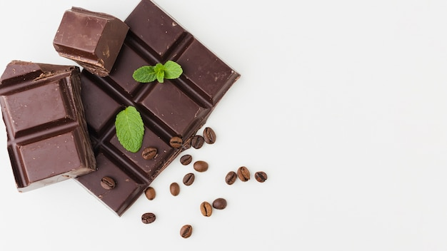 Gustoso cioccolato con copia spazio Foto Gratuite