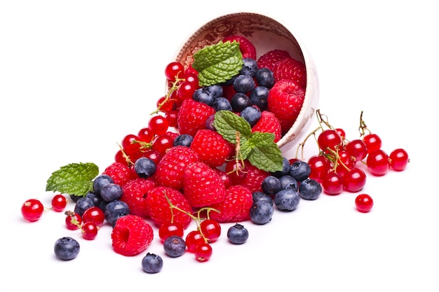Gustoso mix di frutti di bosco Foto Premium