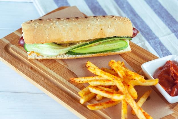Hot dog con patate Foto Premium