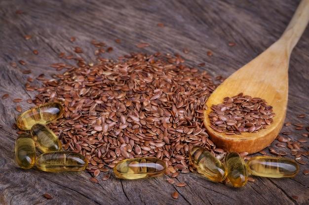 I prodotti sono ricchi di omega. lino e olio di pesce. Foto Premium