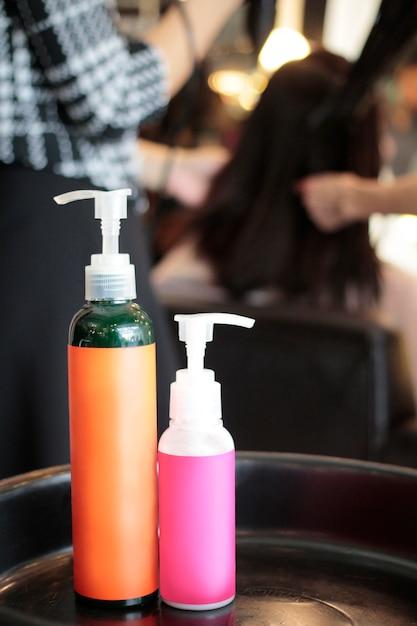 I prodotti sono utilizzati nel salone di bellezza Foto Premium