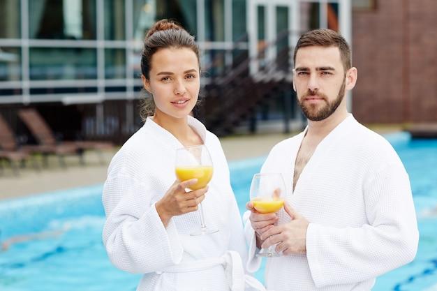 I viaggiatori al resort spa Foto Gratuite