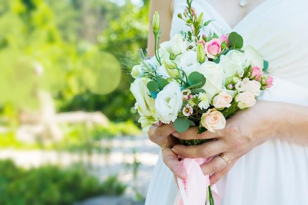 Il bouquet della sposa Foto Premium