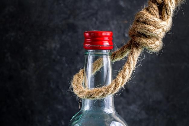 Il cattivo effetto dell'alcolismo su una persona, Foto Premium