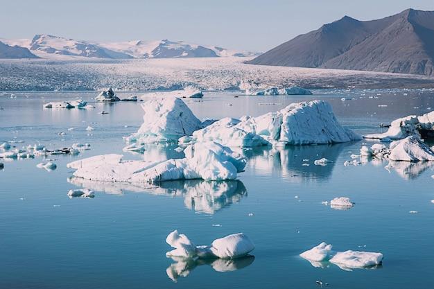 Il ghiacciaio sciolto in islanda Foto Premium