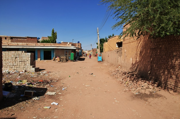 Il piccolo villaggio sul fiume nilo, khartum, sudan Foto Premium