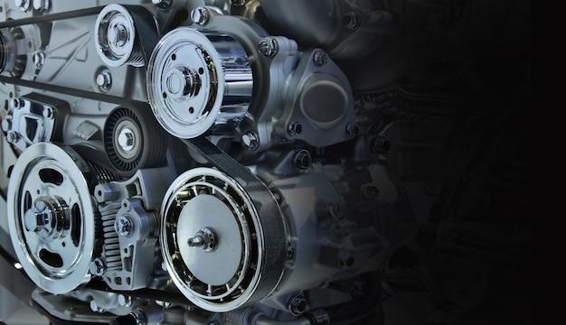 Il potente motore di un'auto. design interno del motore per lo spazio della copia, in bianco e nero Foto Premium