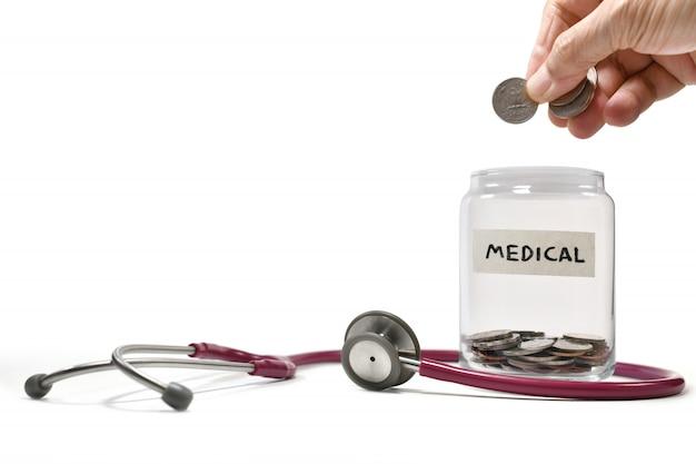 Immagine sul concetto di risparmio di denaro per scopi medici e commerciali, risparmio, crescita, economica Foto Premium