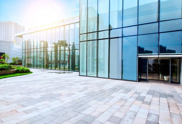 Immagine tonica di edifici per uffici moderni nel centro for Uffici moderni