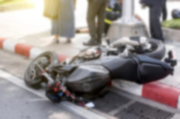 Incidente motociclistico sulla strada. Foto Premium