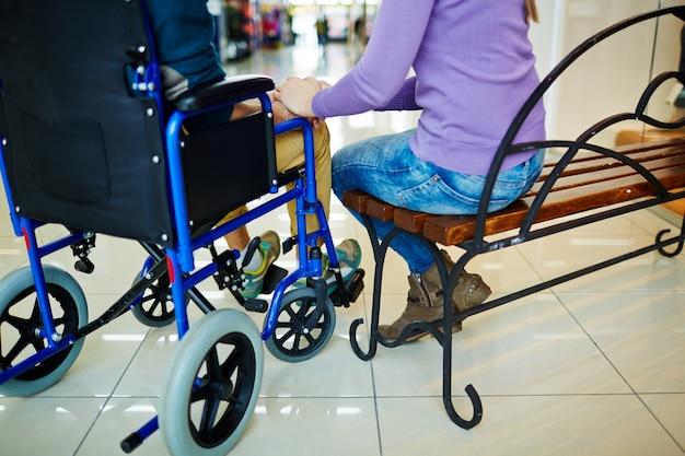 incontri di utenti su sedia a rotelle